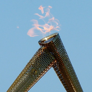 olympic_torch_downhill_northern_ireland_lighting_2