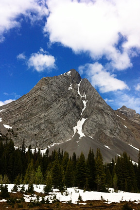 burstal pass hike