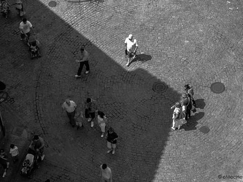 sobre el suelo by eMecHe