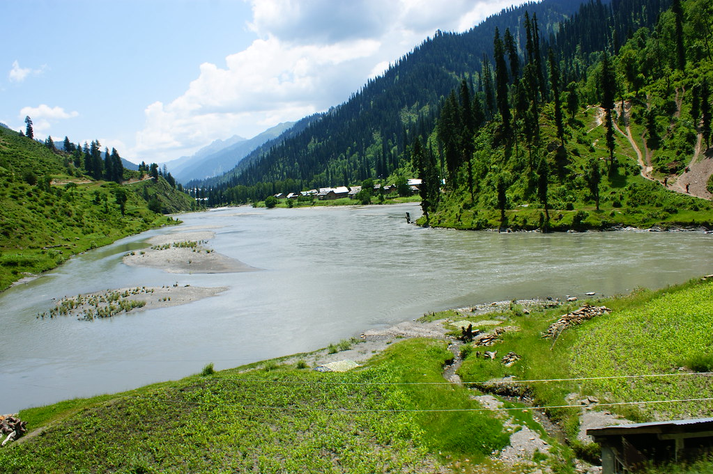 """MJC Summer 2012 Excursion to Neelum Valley with the great """"LIBRA"""" and Co - 7608857060 68f6bf1e7e b"""