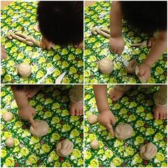 妻が作った小麦粘土で遊ぶとらちゃん (2012/7/21)