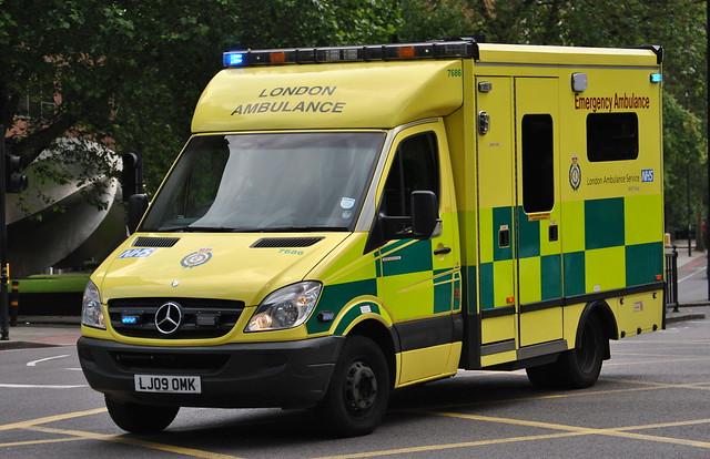 London ambulance service mercedes sprinter emergency for Mercedes benz emergency service