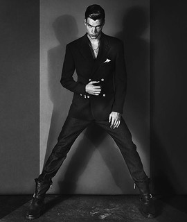 versace-fall-winter-2012-campaign-002