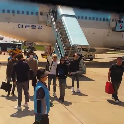 Big Bang - Jeju Airport - 19may2015 - chang_m_i_n - 03