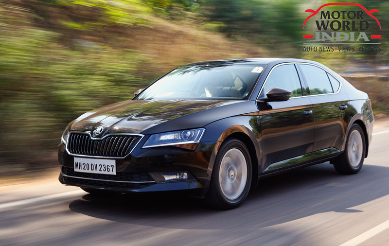 2016-Skoda-Superb-Front-Three-Quarter (5)