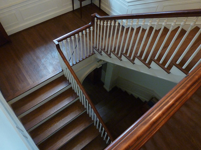 P1080875-2012-05-29-Pringle-and-Smith-home-834-Lullwater-1928-Stair-looking-down-full