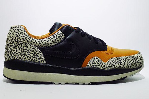 nike-air-safari-qs-532304-22/