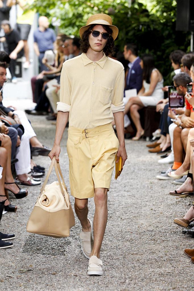 Jaco van den Hoven3320_SS13 Milan Trussardi(fashionising.com)