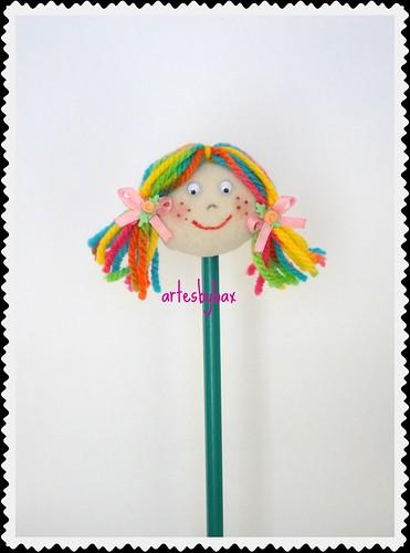 Ponteira de lápis bonequinha by artesbybax - Carmen