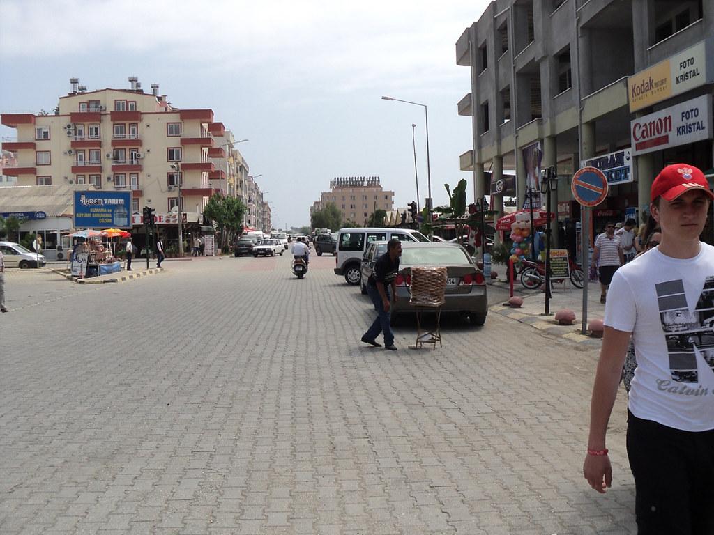 Улицы Демре и продавец симитов