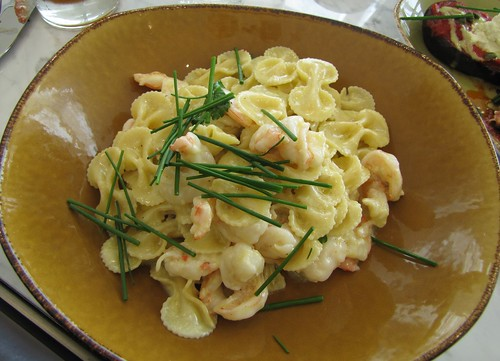Farfelle: Shrimp in a Garlic White Wine Sauce