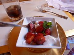 Fresas con nata - Don's favorite! Casa de Carmona