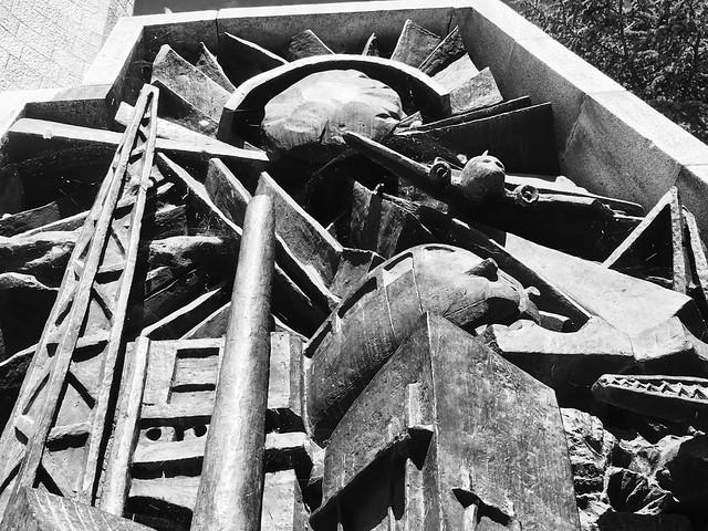 De Gasperi Monument Detail