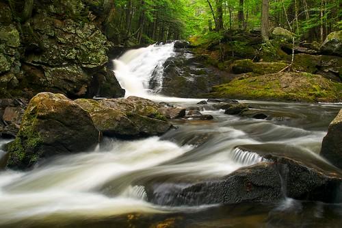 creek waterfall spring aperture nikon stream raw newengland newhampshire nh waterfalls iphoto brook cascade iphotooriginal nikond80 bicknellbrook topazadjust