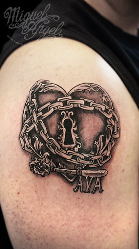 heart padlock chain and key w name tattoo a photo on flickriver. Black Bedroom Furniture Sets. Home Design Ideas