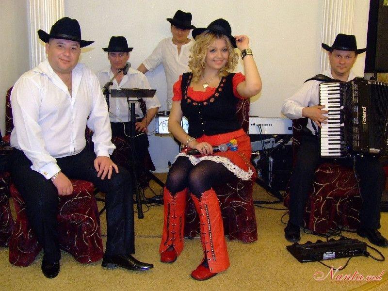 Дойница Герман - солистка и ведущая с профессиональной командой музыкантов > Фото из галереи `Momente de colecție...`