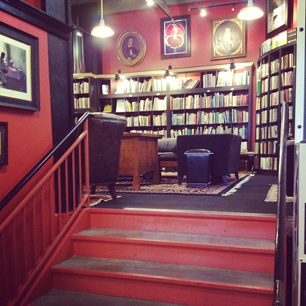 Books, coffee, lounge. In other words, my personal heaven. #birthdayadventure