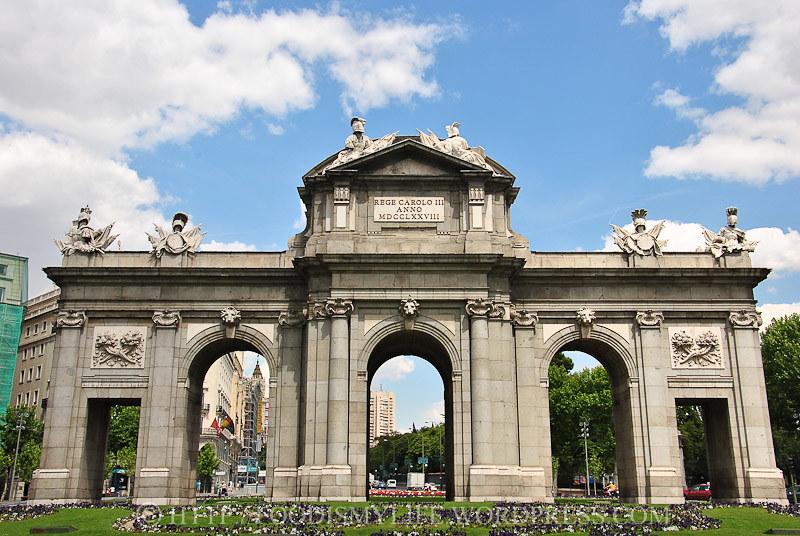 Puerta de Alcalá (Alcalá Gate)