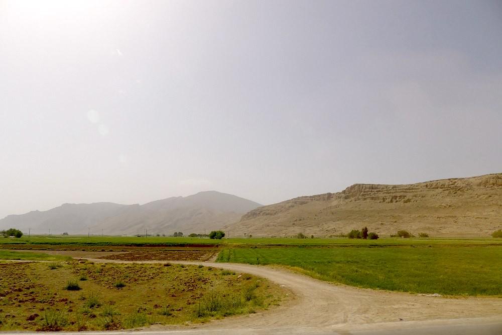 yazd-shiraz-L1030151