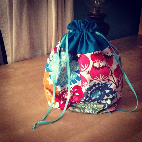 One more @jenib320 drawstring bag; this one is the perfect size for #crossstitch . ☺ #sewing #annamariahorner