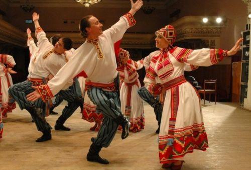 Danzatori balcanici