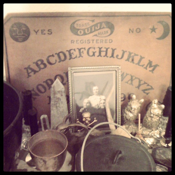 Wooden Ouija board from 1919