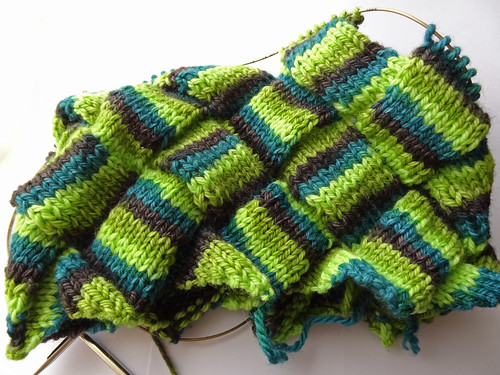 Entrelac Neck Warmer 01