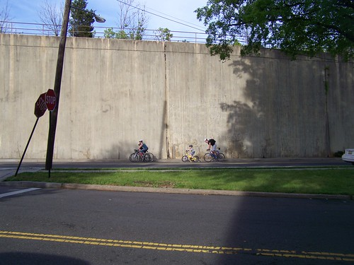 Bicycling with children on Blair Road