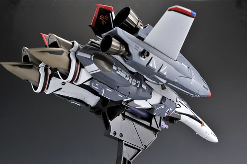 VF-25Fファイターwithスーパーパーツ