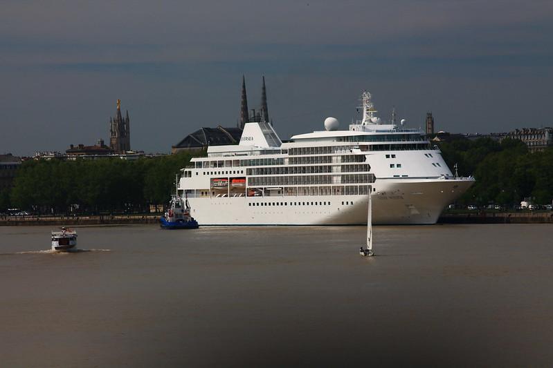 Paquebot Silver Whisper dans le Port de la Lune, Bordeaux - 10 mai 2012