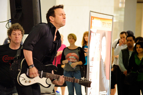 Colin James tears it up in Toronto