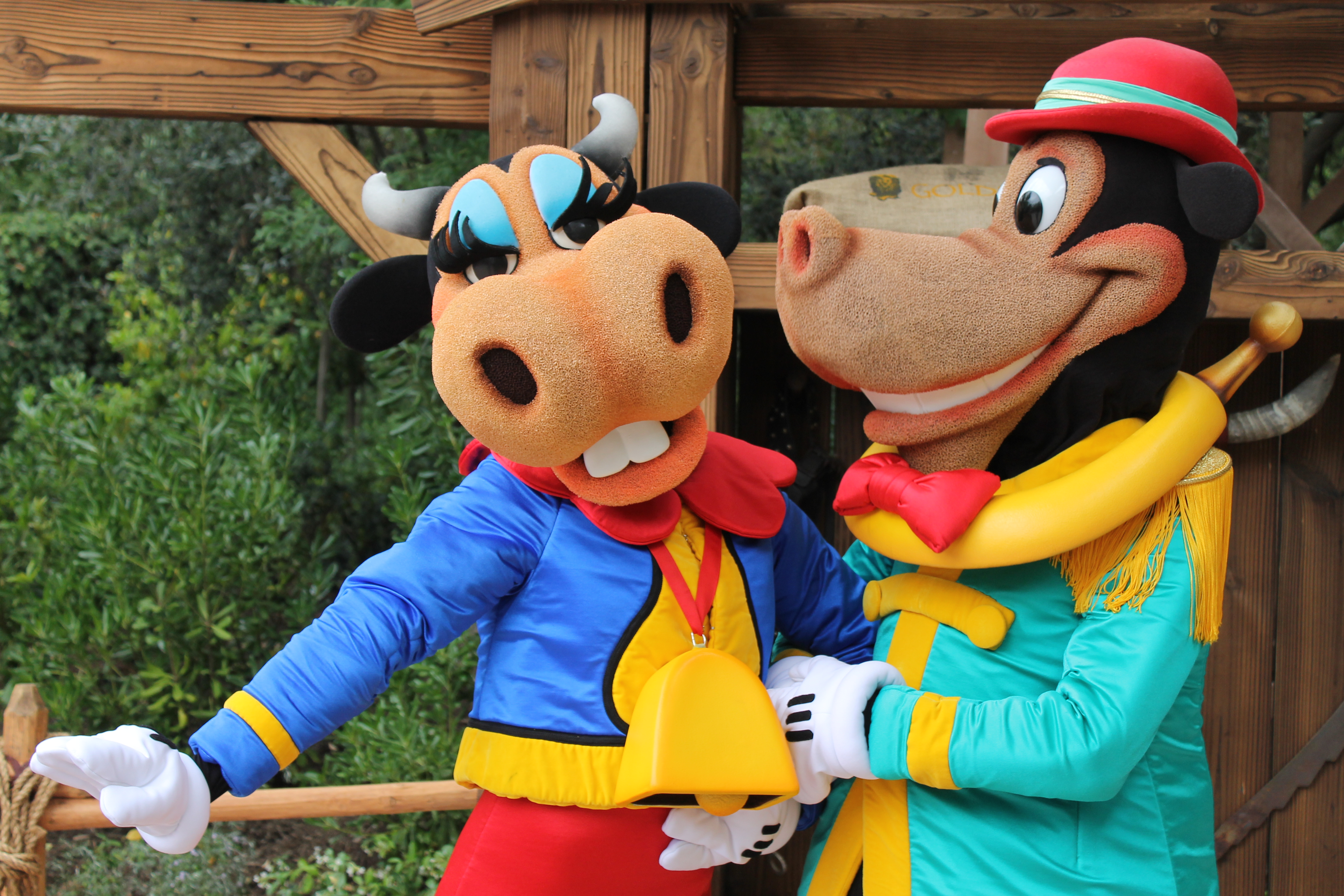 Meeting Horace Horsecollar and Clarabelle Cow - YouTube  Horace Horsecollar And Clarabelle Cow