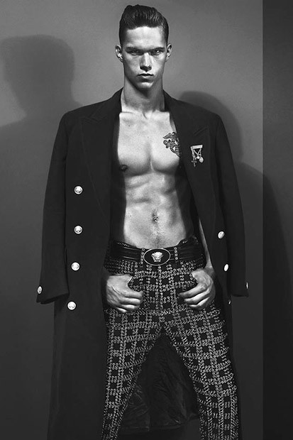 versace-2012-fall-winter-campaign-3