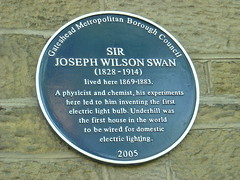 Photo of Joseph Swan and Underhill blue plaque
