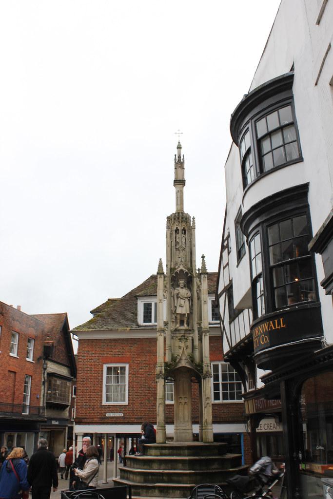 High Street y la Butter Cross