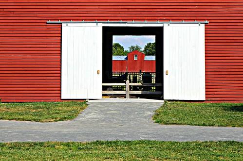 red summer barn fence landscape farm sony va dcist alpha herndon fryingpanpark nex flipmode79 nex5n