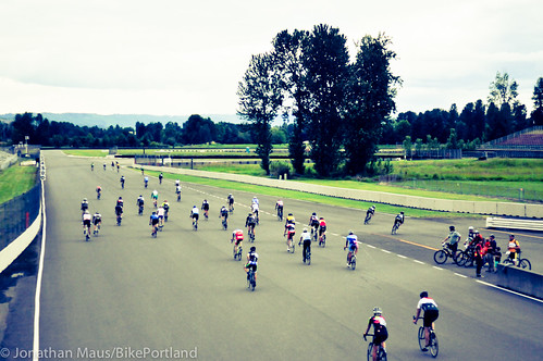 Criterium racing at PIR-5