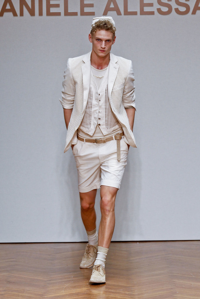 SS13 Milan Daniele Alessandrini009_Alexander Johansson(fashionising.com)