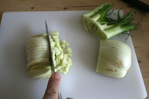 28 - Fenchel würfeln / Dice fennel