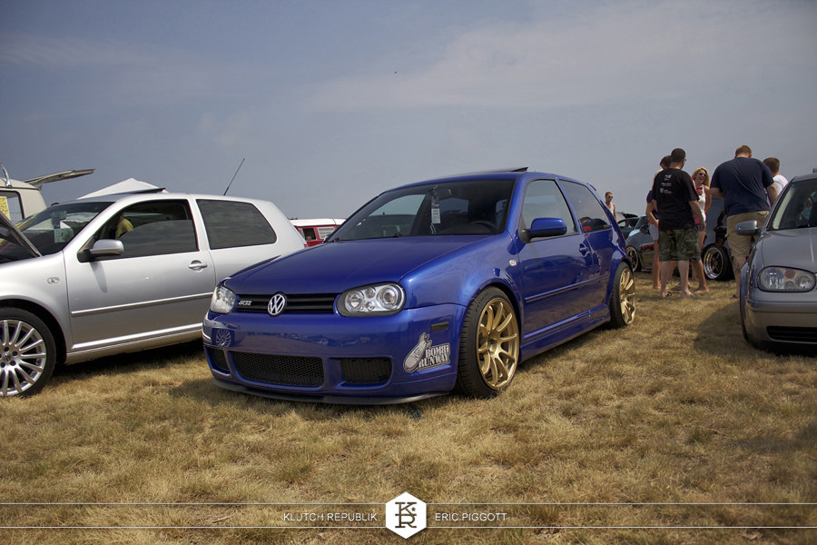 blue mk4 vw golf gti r32 gold wheels at euro hanger 2012 Michigan 3pc wheels static airride low slammed coilovers stance stanced hellaflush poke tuck negative postive camber fitment fitted tire stretch laid out hard parked seen on klutch republik