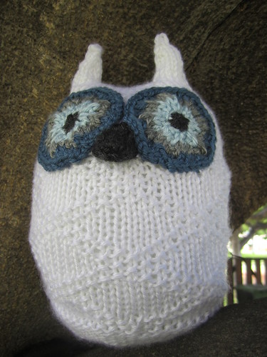 Snowy Owl Knitting Pattern : Lindsays Library: Knitting: Little Snowy Owl & Wee Baby Hats