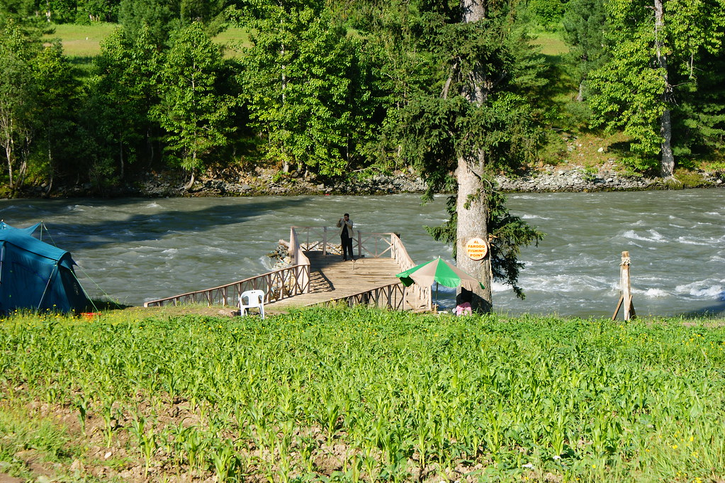 """MJC Summer 2012 Excursion to Neelum Valley with the great """"LIBRA"""" and Co - 7607850698 23f36e73f9 b"""