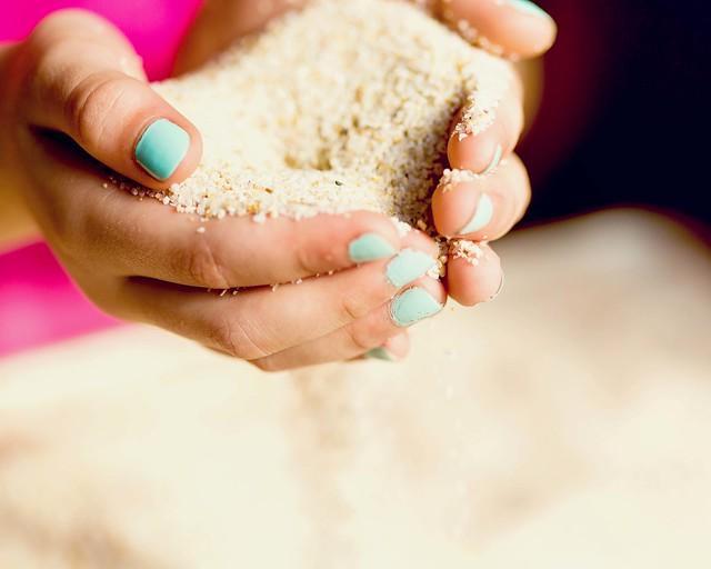 sand hands