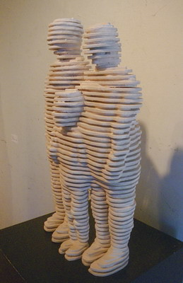 「家族の肖像」木材に胡粉