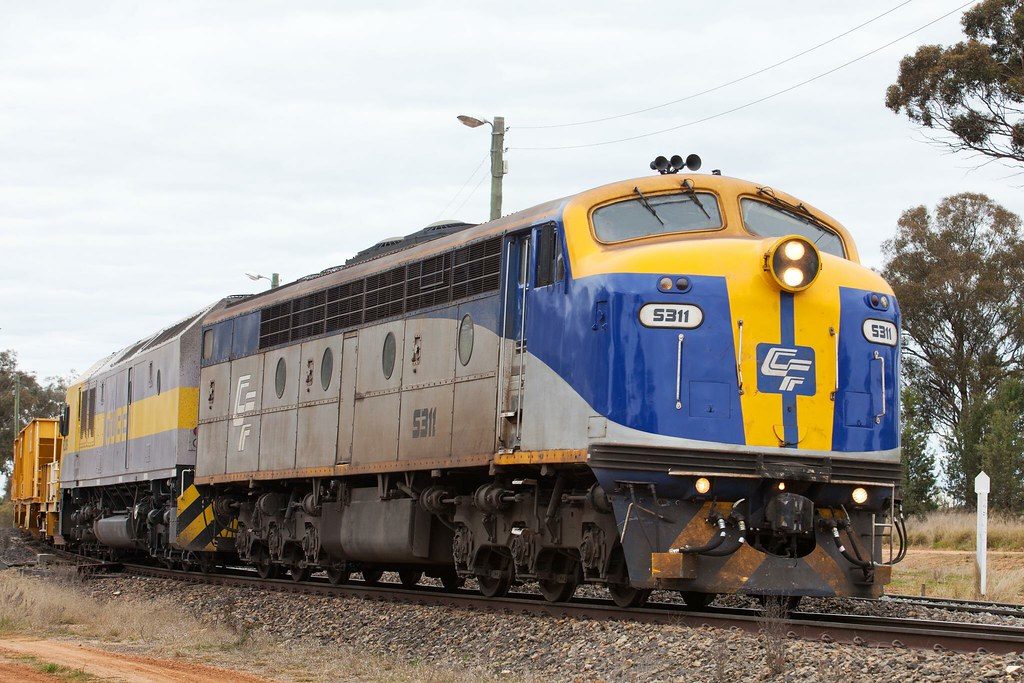S311 Departing Goobang Junction by Trent