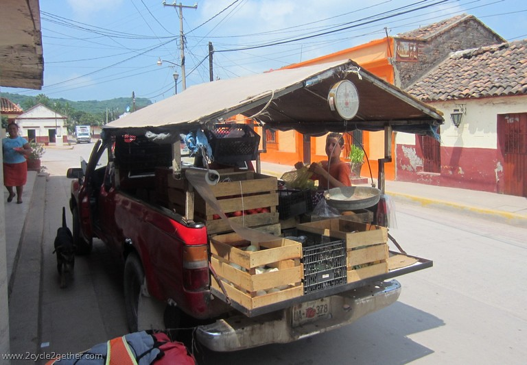 Vegetable truck, Chametla, Sinaloa