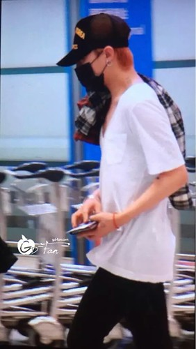Big Bang - Incheon Airport - 02aug2015 - GD Fan - 02