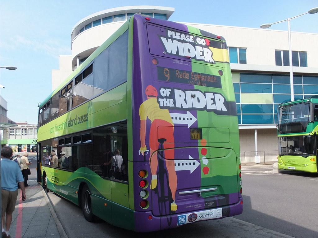flamboyant bus service