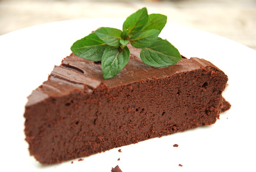 Dark Chocolate Mint Truffle Cake (flourless!)