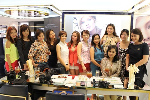 Estee Lauder DoubleWear Event group pic